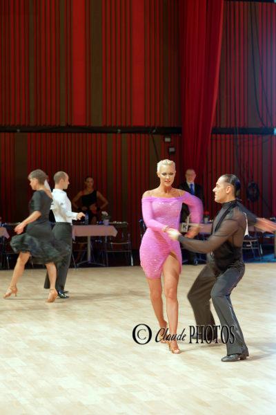 CONCOURS DE DANSES DE SALON (organisé par Le danse Club92 – à Courbevoie (fév. 2020 – Travail sur les mouvements du corps et des vêtements)